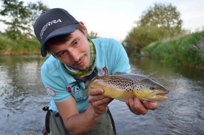 derbyshire midlands guide fly fishing